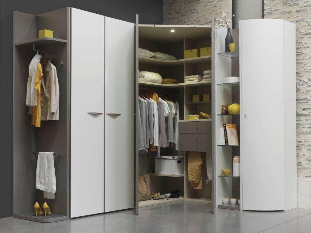 armoire dressing angle