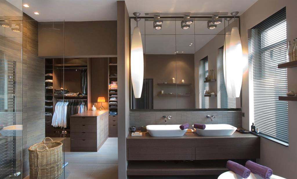 Beautiful salle de bain et dressing gallery amazing for Dressing salle de bain humidite